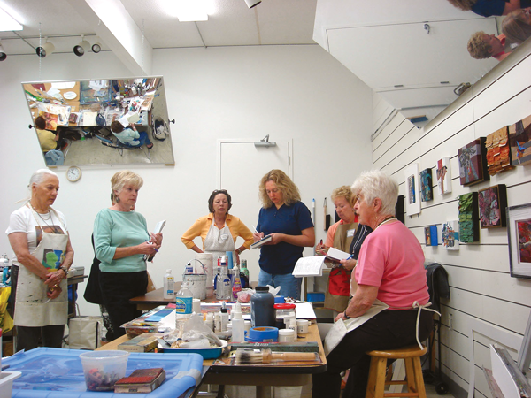 Mary Alice Braukman art classes always include demos and discussions