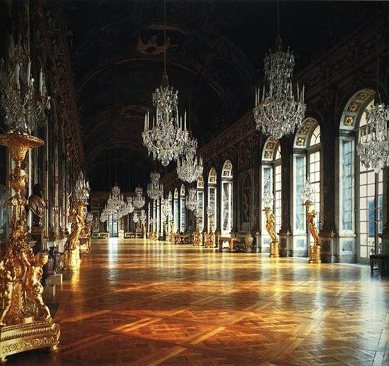 Imagine how to paint Versailles.