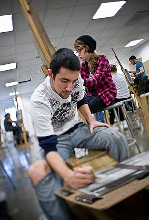SCAD students develop a foundation in drawing through a core curriculum based on extensive studio time. Courtesy of SCAD.