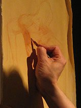 During a figure-drawing demonstration, artist Robert Liberace showed that an attuned focus on and knowledge of anatomy can lead to strong depictions of the human body.
