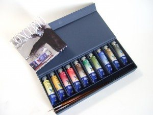 Today's prize is a watercolor box from Armadillo.