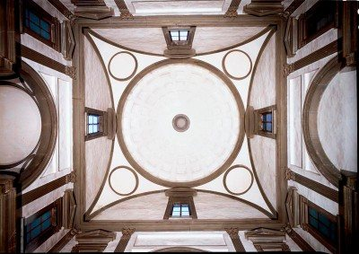 Michelangelo's design of the Medici Chapel in Florence is based on rectilinear straight lines and clean pointed angles.