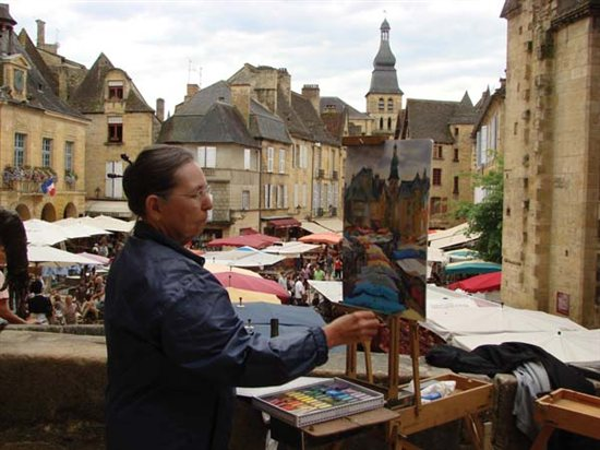 Judith Carducci offered a pastel-painting demonstration of the market in Sarlat, France.