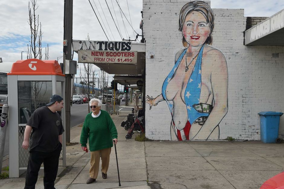 Political art: Street art of Hillary Clinton in swimsuit.