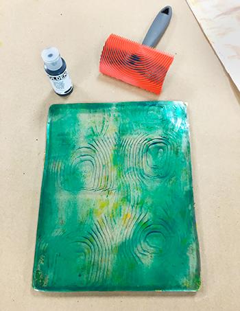Monoprinting with wood grain tool