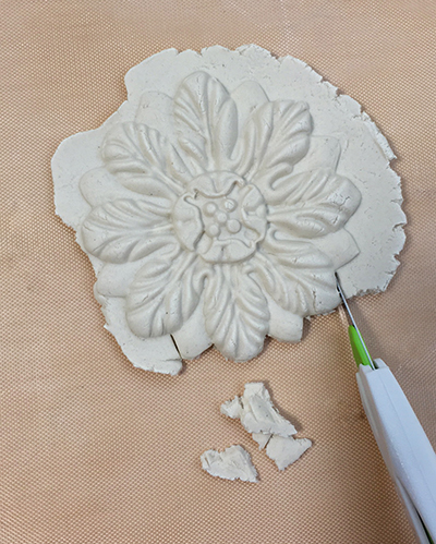 Cutting paper clay with a Pen Blade