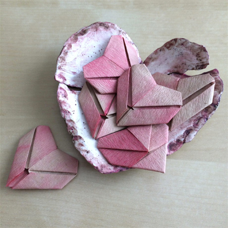 An ombre origami art project perfect for your favorite valentine ombre origami valentines diy valentine valentines day artists network jeuxipadfo Images