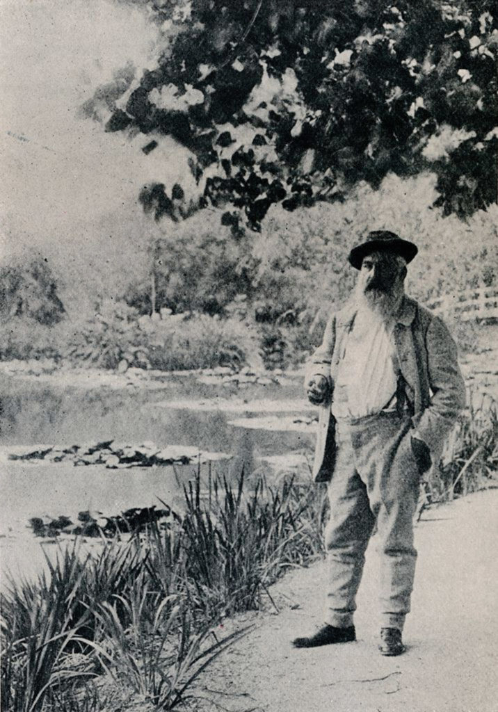 Monet in his gardens in 1905 (Photo by The Print Collector/Getty Images)