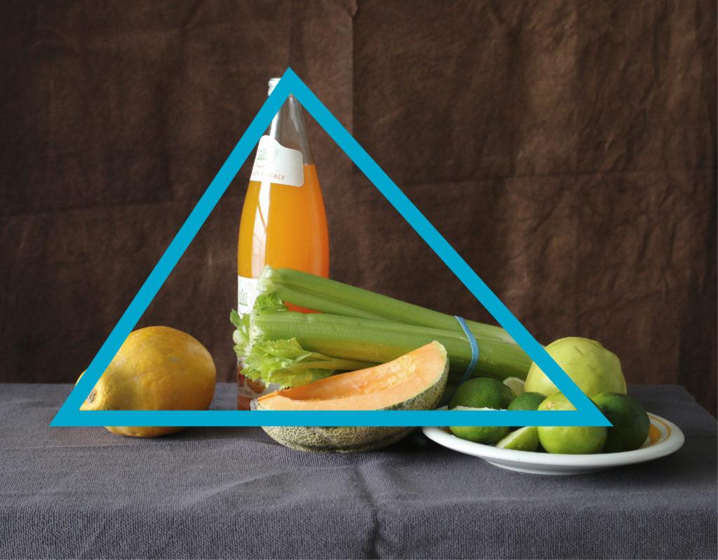 Triangular or pyramidal still life composition | How to set up a still life