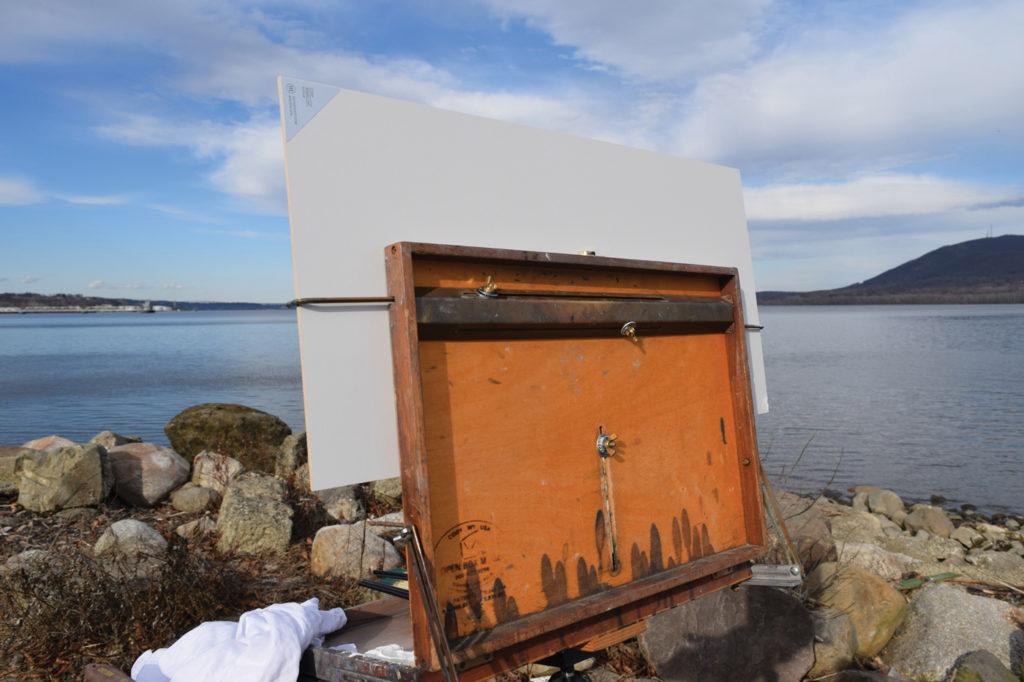 Plein air supplies: attaching the panel