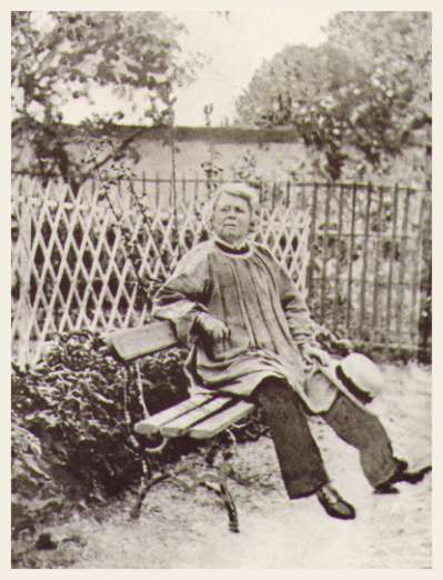 Photograph of Rosa Bonheur (1880–90) in the garden of her Château at By // Wikipedia